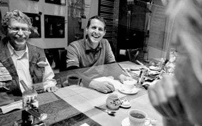 Rolls Royce, Zirben, Wellness, Dankbarkeit Drei-Kaffee-Dialog mit positiv-geladenen Charakteren